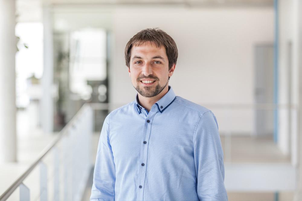 Dr. Jonathan Schächtele